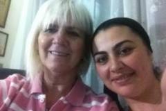 גרסיאלה שפירו-גולדמן עם אירנה דוידוב, יועצת משכנתאות